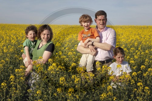 Familie im Feld | Family on a field