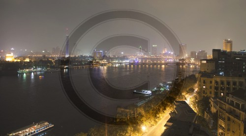 Nachtansicht von Kairo und dem Nil | Night view of Cairo and the Nile