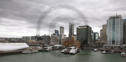 View of the skyline and the Port of Auckland / New Zealand, 02.06.2011