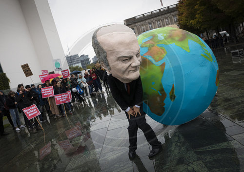 FFF Fridays For Future demonstrieren vor Bundeskanzleramt